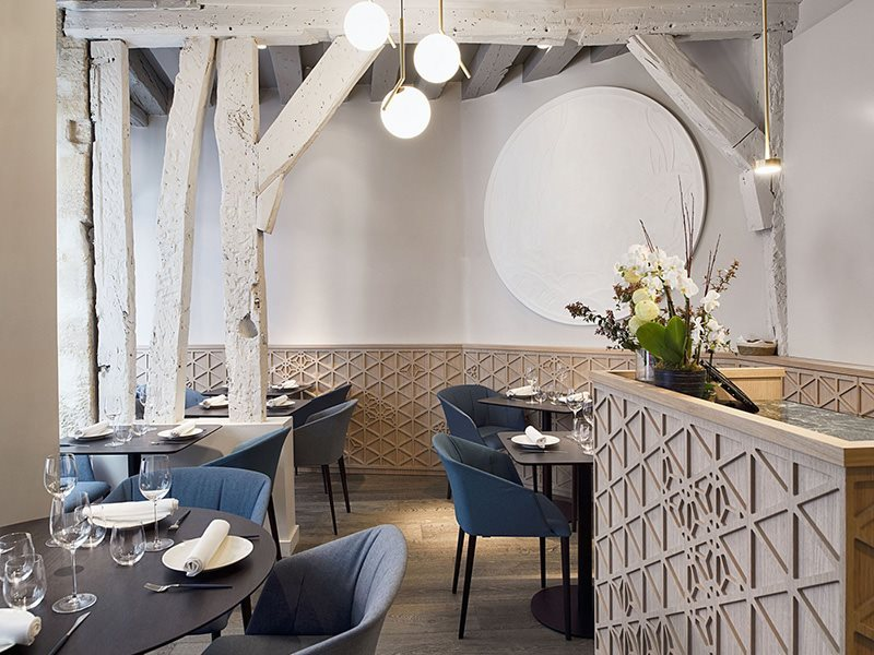 zanotta_contract_Ristorante-Yoshinori-Paris_foto_liza