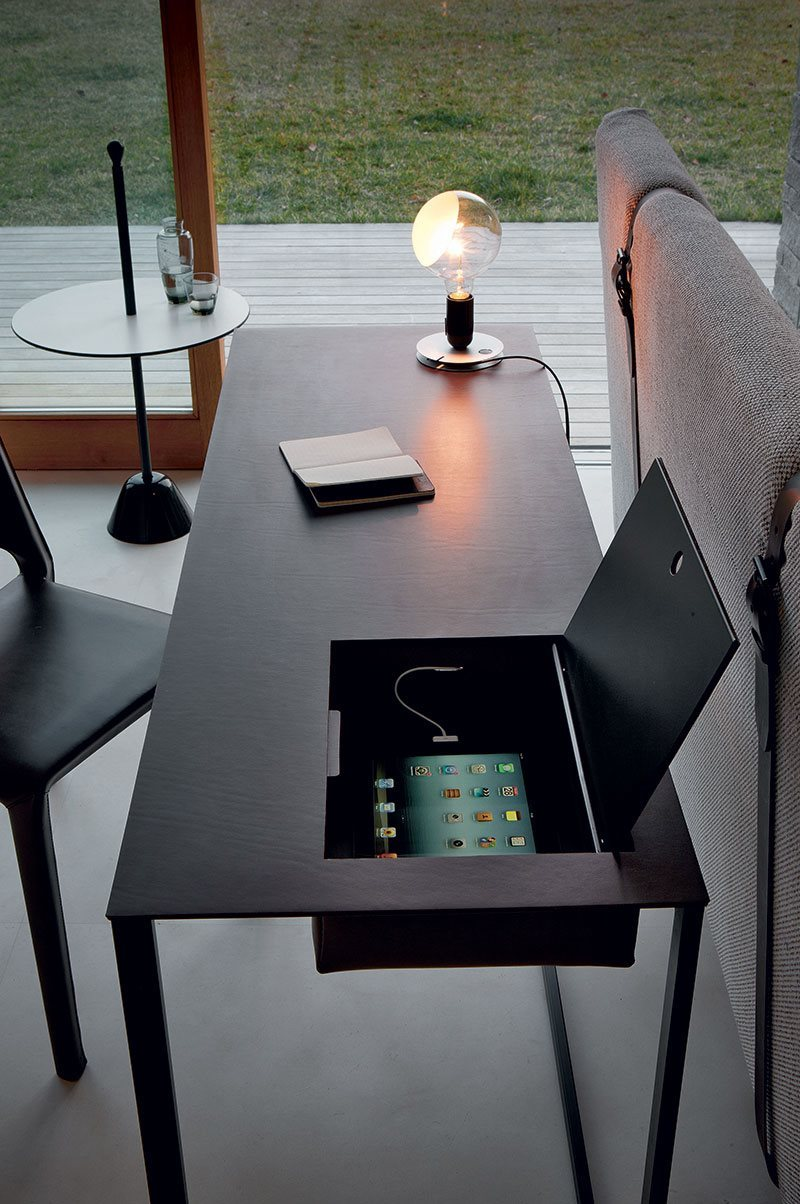 zanotta_news-from-design_calamo-contemporary-desk_foto_1